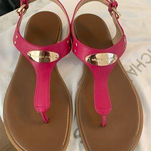 Michael Kors Thong Used Sandals 7.5 fuchsia